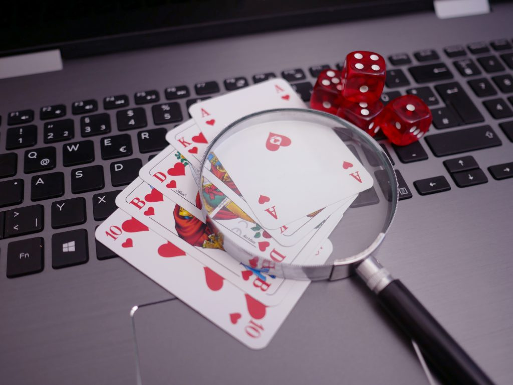 Live Online Poker for Begginers